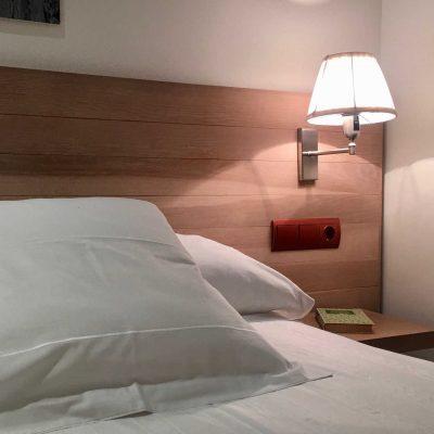 hotel_valdecoro_habitacion_cabezero